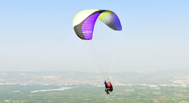 DOSTUM'da yamaç paraşütü ile adrenalin zamanı