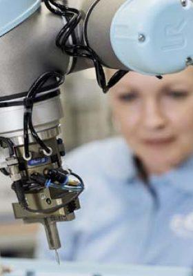 Universal Robots e-Series ile otomasyonda çığır açıyor