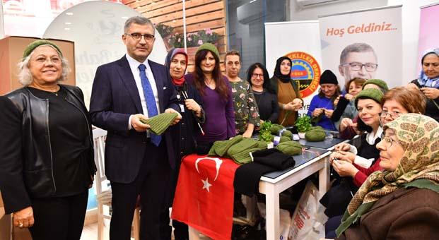 Üsküdarlı anne ve ninelerden Afrin'deki Mehmetçik'e sıcak destek