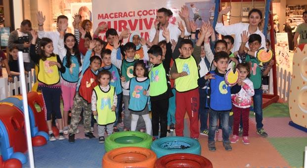 Van AVM'den çocuklara 23 Nisan sürprizi