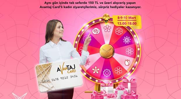 Van AVM'de Kadınlar Günü'ne özel sürpriz hediyeler