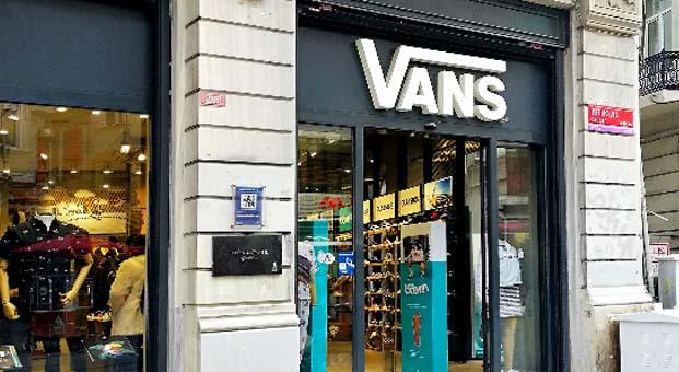İstiklal Vans Avrupa'nın En Çok Büyüyen Mağazası seçildi