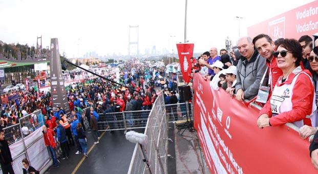Ünlü isimler Vodafone İstanbul Maratonu'na akın etti