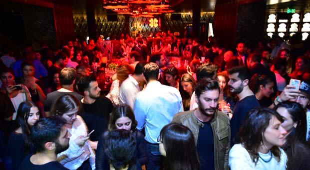 W Istanbul, sizleri 2017'nin son 2018'in ilk eğlencesini birlikte yaşamaya davet ediyor