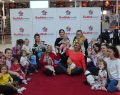 ÖzdilekPark Bursa Nilüfer'de bebekler anneleri ile yoga yaptı