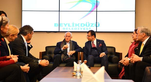 Beylikdüzü Belediye Başkanı Ekrem İmamoğlu,Yorgo Papandreu ve beraberindeki heyeti ağırladı