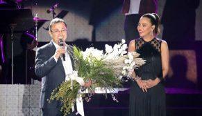 Ebru Gündeş'ten DAP İzmir Projesi'nde muhteşem konser